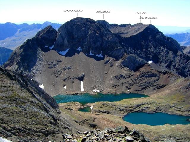 Ascensió a un 3000: Garmo Negro (3066 m)